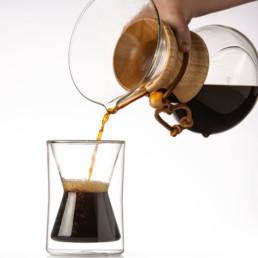 cafetière chemex et café méthode douce servi