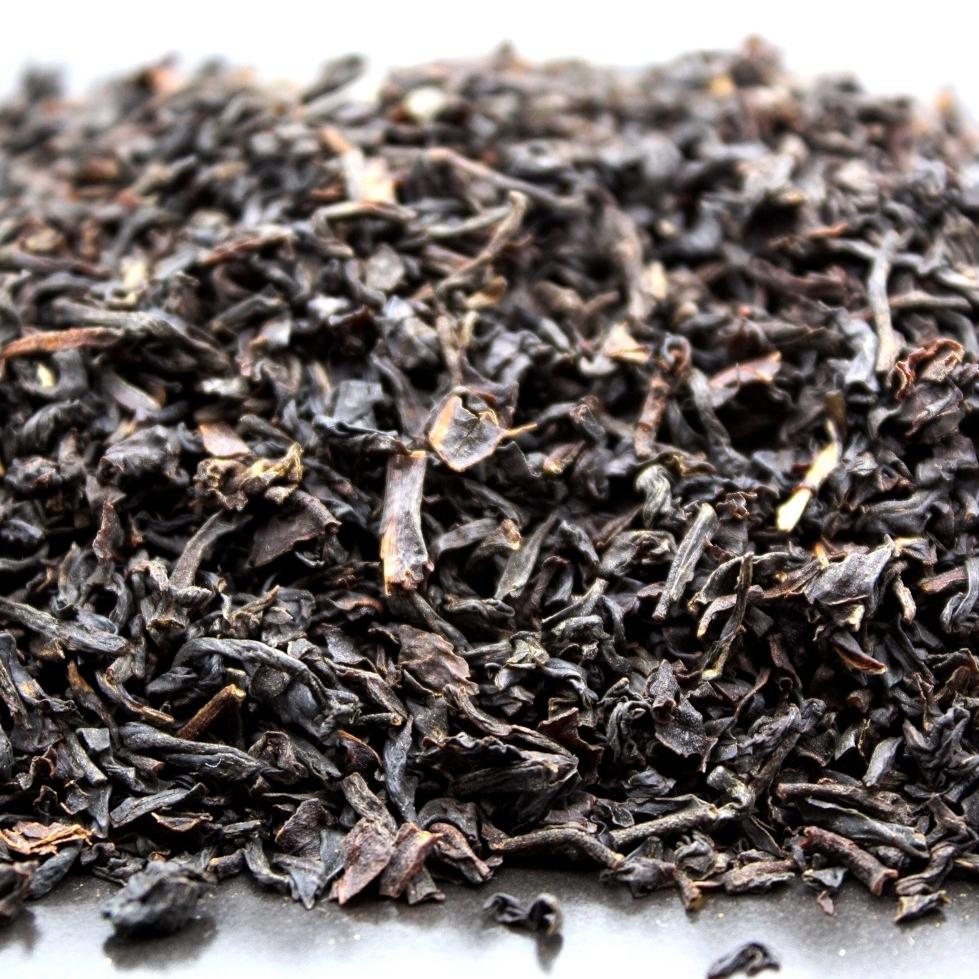 Thé noir English breakfast pour une dégustation traditionnelle. Thé noir parfumé et aromatisé néanmoins nature. La fabrikathé revisite ce grand classique. Disponible en sachet de 100 grammes ou 200 grammes.