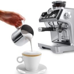 machine specialista Delonghi pour une expérience barista à la maison et mousse de lait